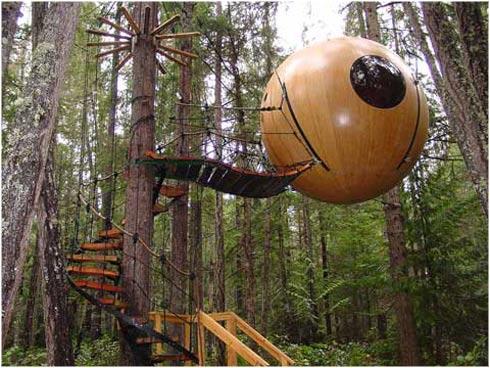 las esferas estn hechas de madera y suspendidas en el aire por cadenas que estn atadas a un rbol si te parece interesante la construccin te invitamos a