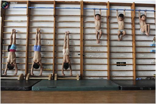 El extremo entrenamiento de los ni os gimnastas chinos for Cual es el gimnasio mas cercano