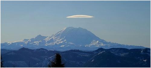 Nube lenticular sobre Monte Rainier 0xFCAF's photostream